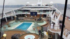 Visite du bateau ave la piscine extérieure